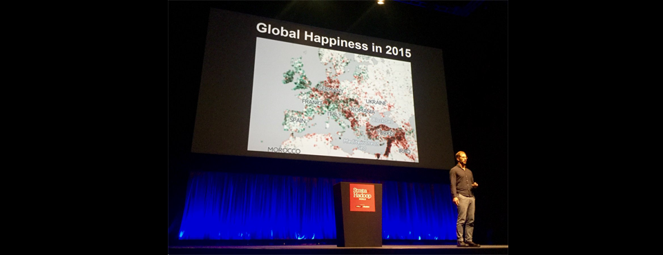 2016-strata-hadoop-world-london-twitter-keynote-photograph
